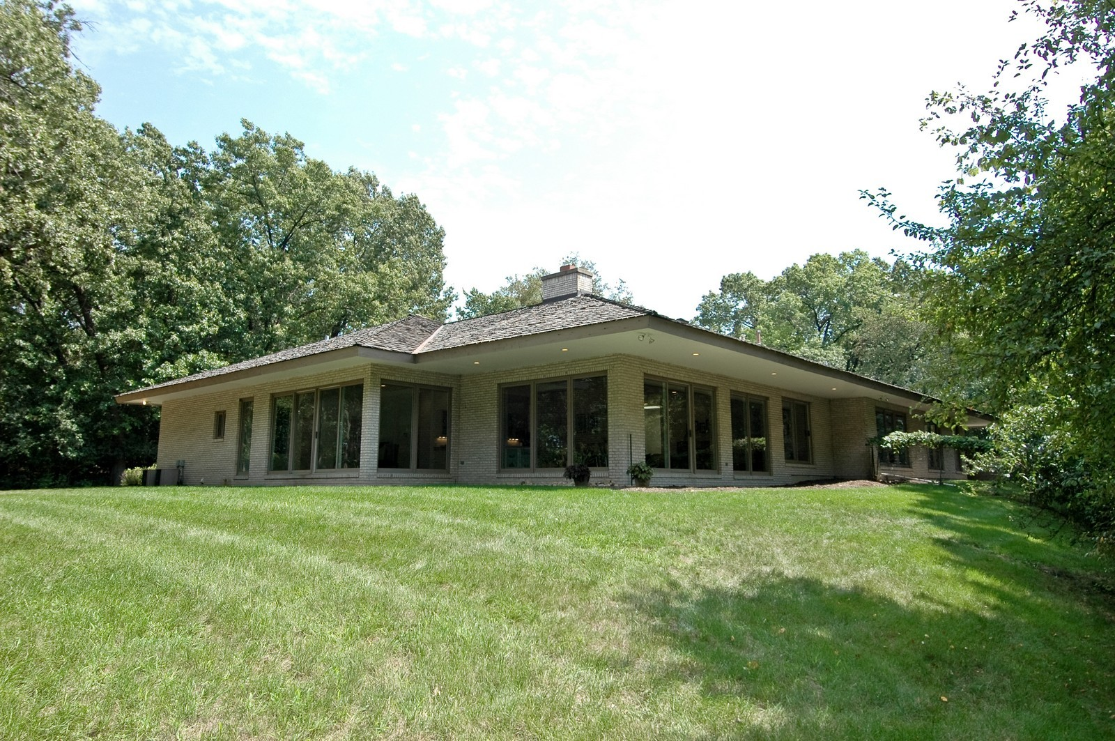 Real Estate Photography - 4 Far Hills Rd, Barrington Hills, IL, 60010 - Rear View