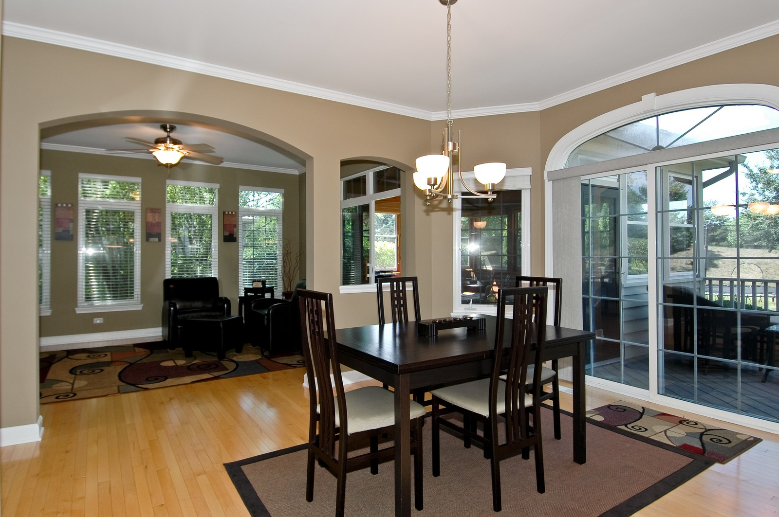 Real Estate Photography - 811 Mason Ln, Lake in the Hills, IL, 60156 - Dining Area