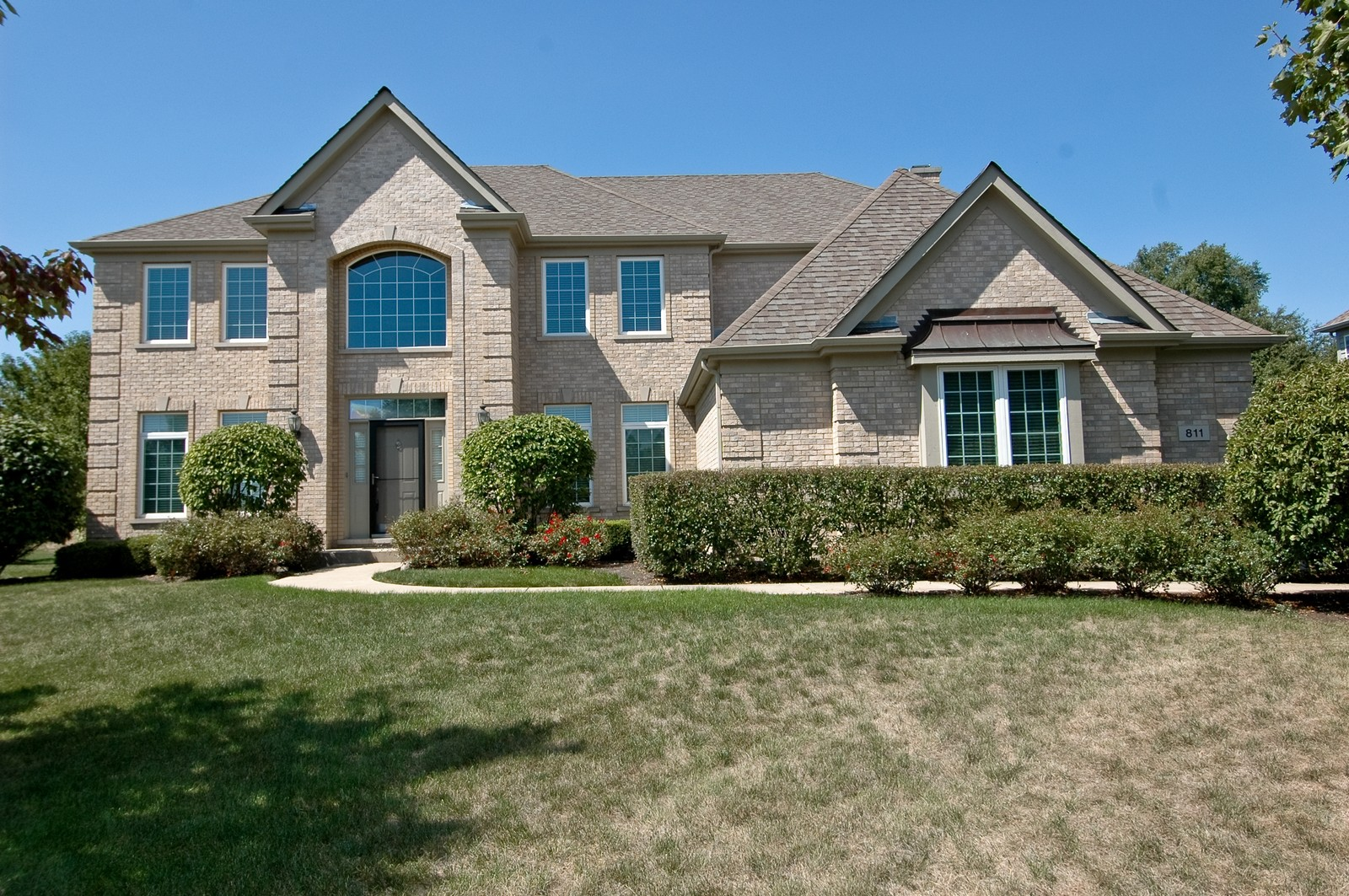 Real Estate Photography - 811 Mason Ln, Lake in the Hills, IL, 60156 - Front View