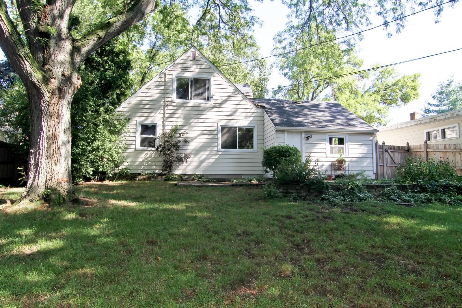 Real Estate Photography - 1702 E Indiana St, Wheaton, IL, 60187 - Rear View