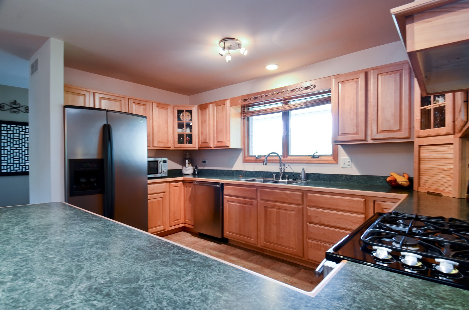 Real Estate Photography - 4N656 Klein Rd, West Chicago, IL, 60185 - Kitchen