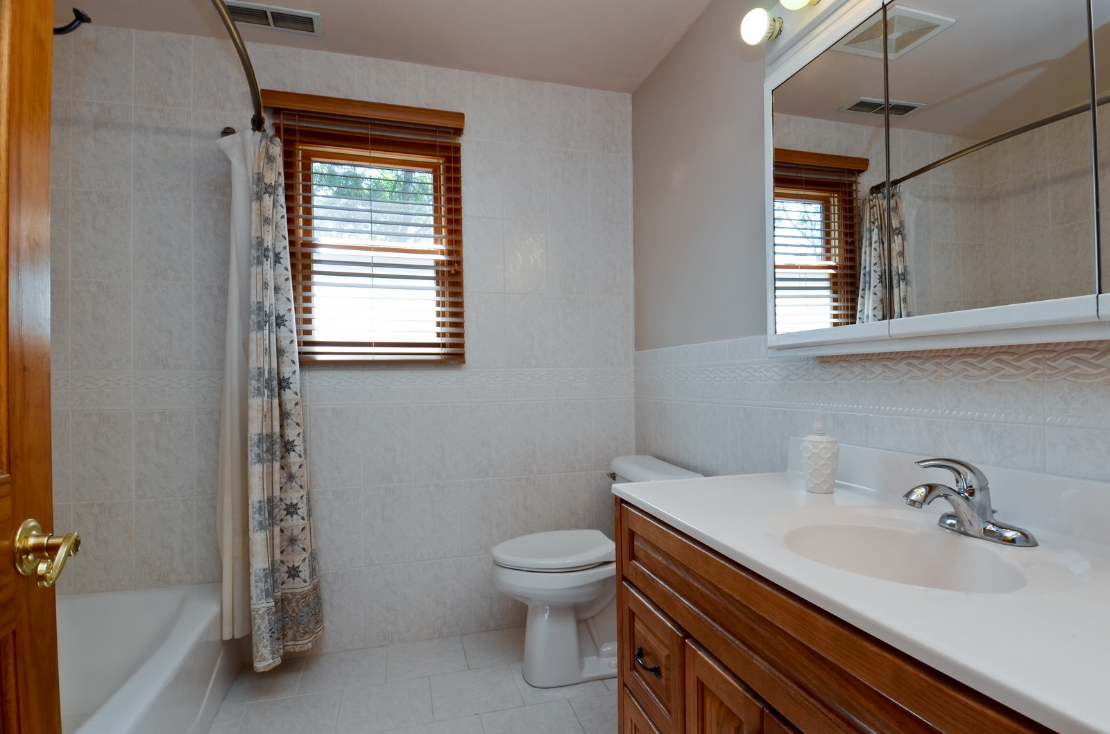 Real Estate Photography - 4N656 Klein Rd, West Chicago, IL, 60185 - 2nd Bathroom