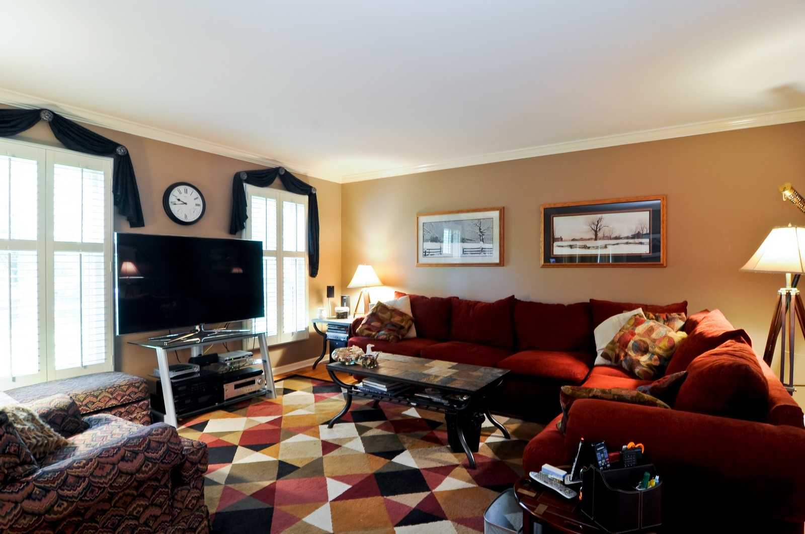 Real Estate Photography - 1000 Plum Tree Rd, Fox River Grove, IL, 60021 - Living Room