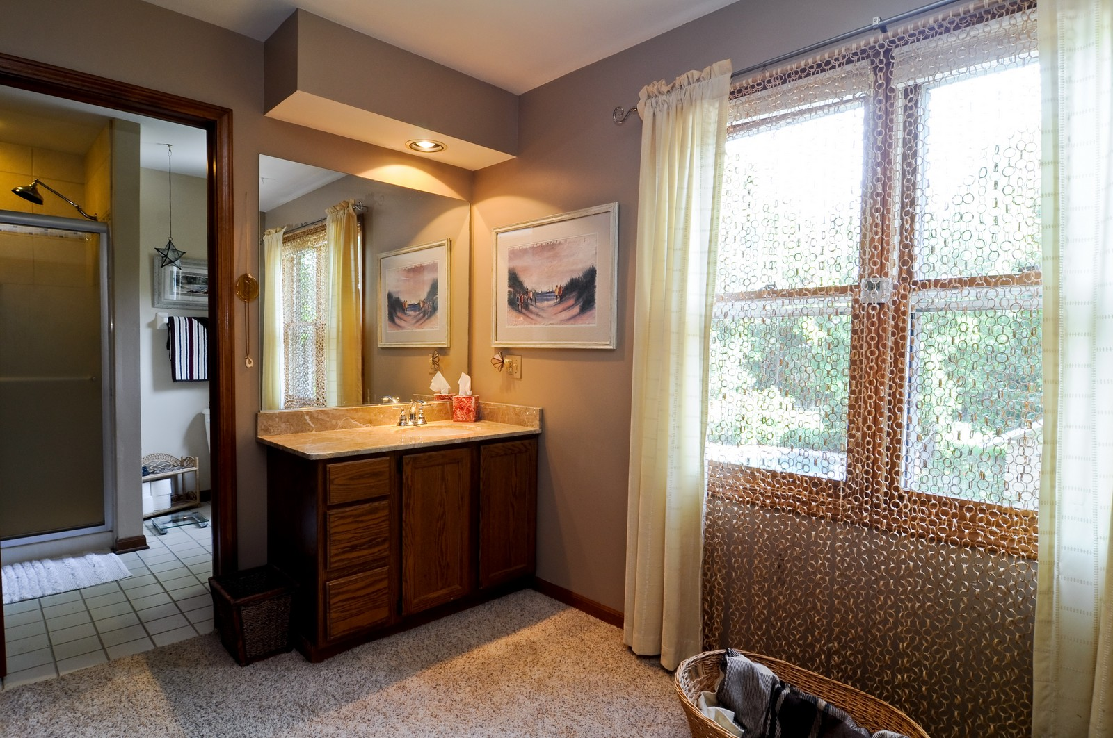 Real Estate Photography - 1000 Plum Tree Rd, Fox River Grove, IL, 60021 - Master Bathroom
