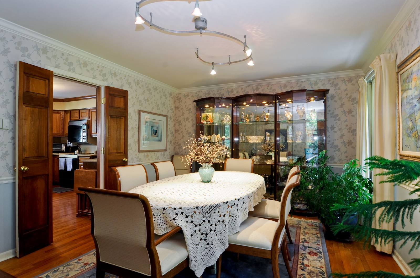 Real Estate Photography - 1000 Plum Tree Rd, Fox River Grove, IL, 60021 - Dining Room