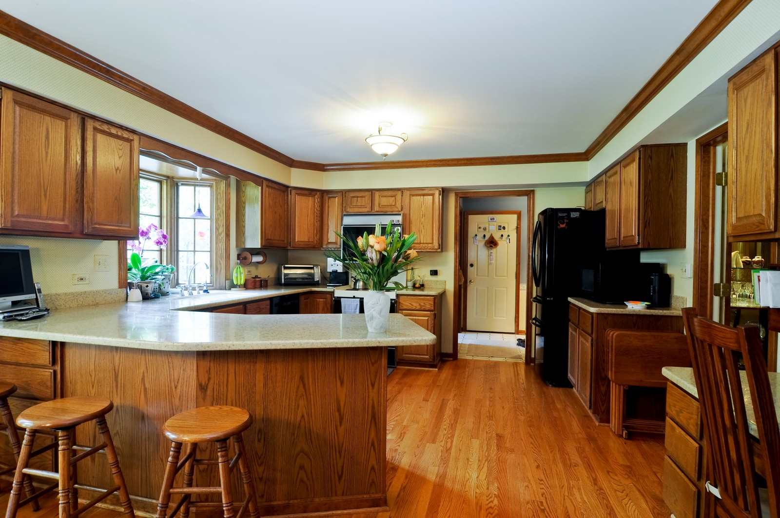 Real Estate Photography - 1000 Plum Tree Rd, Fox River Grove, IL, 60021 - Kitchen