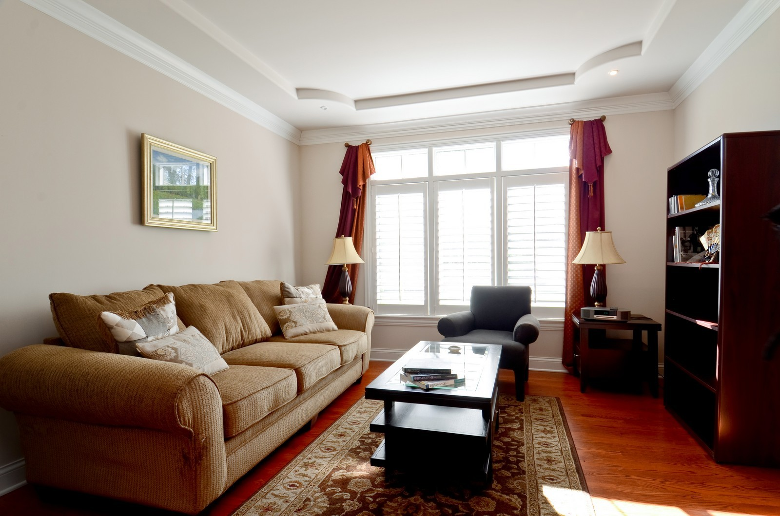 Real Estate Photography - 4343 Woodward Ave, Downers Grove, IL, 60515 - Living Room