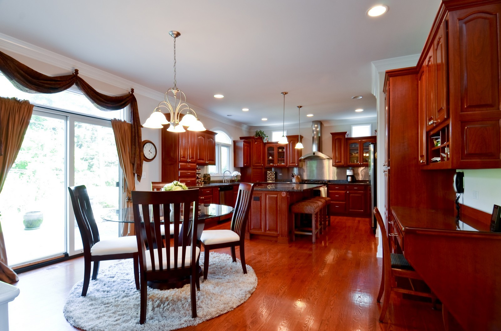Real Estate Photography - 4343 Woodward Ave, Downers Grove, IL, 60515 - Breakfast Nook