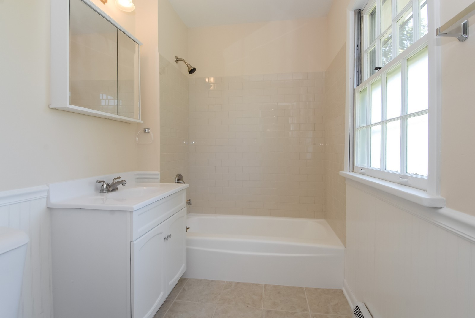 Real Estate Photography - 5N456 Old LaFox Rd, St Charles, IL, 60175 - Master Bathroom