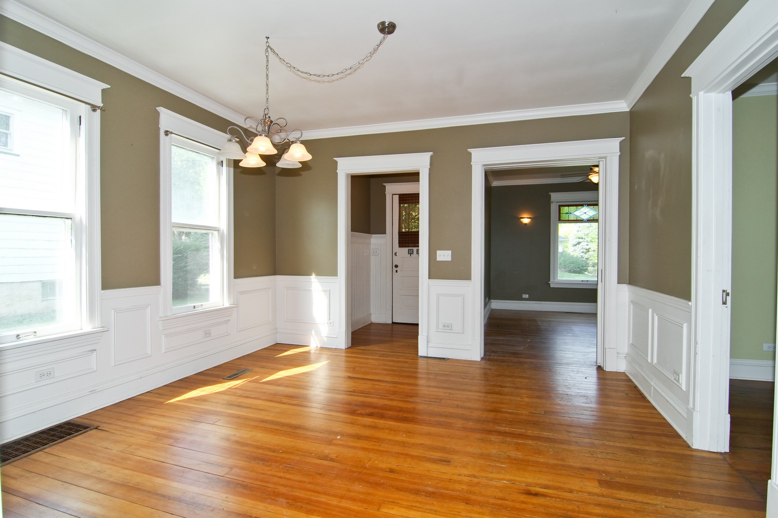 Real Estate Photography - 910 S 2nd, St Charles, IL, 60174 - Dining Room
