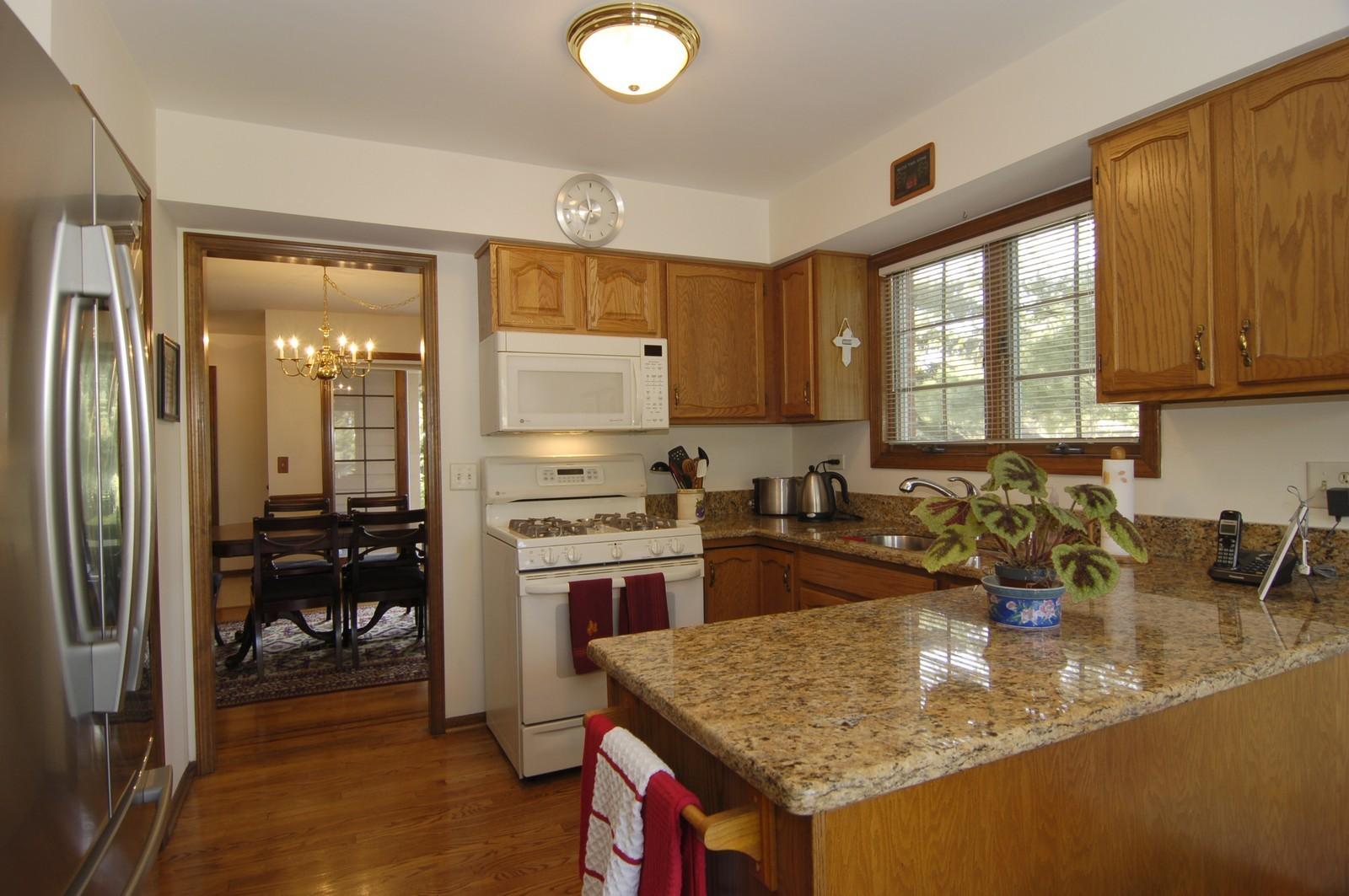 Real Estate Photography - 900 Saddlewood Dr, Glen Ellyn, IL, 60137 - Kitchen