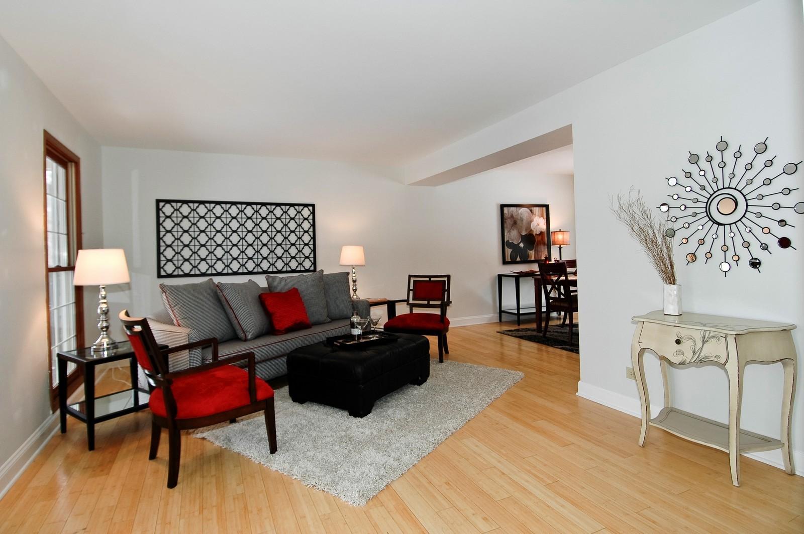 Real Estate Photography - 62 Crystal Ridge Dr, Crystal Lake, IL, 60012 - Living Room