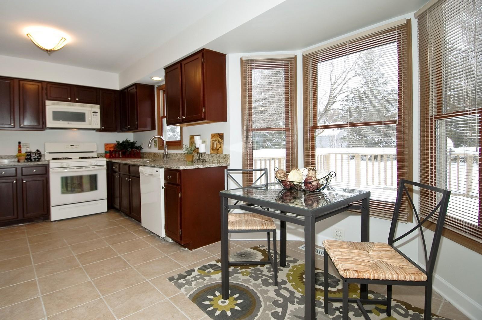 Real Estate Photography - 62 Crystal Ridge Dr, Crystal Lake, IL, 60012 - Kitchen