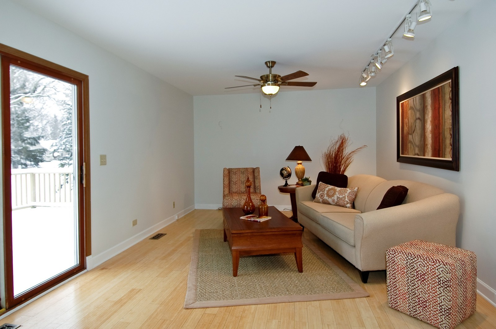 Real Estate Photography - 62 Crystal Ridge Dr, Crystal Lake, IL, 60012 - Family Room