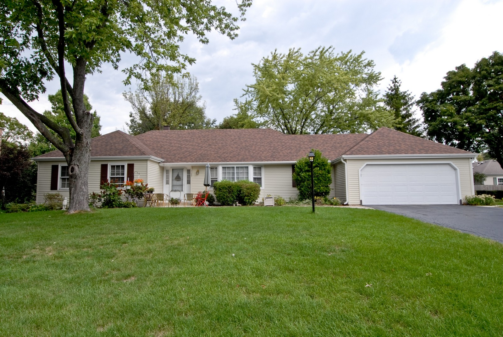 Real Estate Photography - 1157 Chillem Dr, Batavia, IL, 60510 - Front View