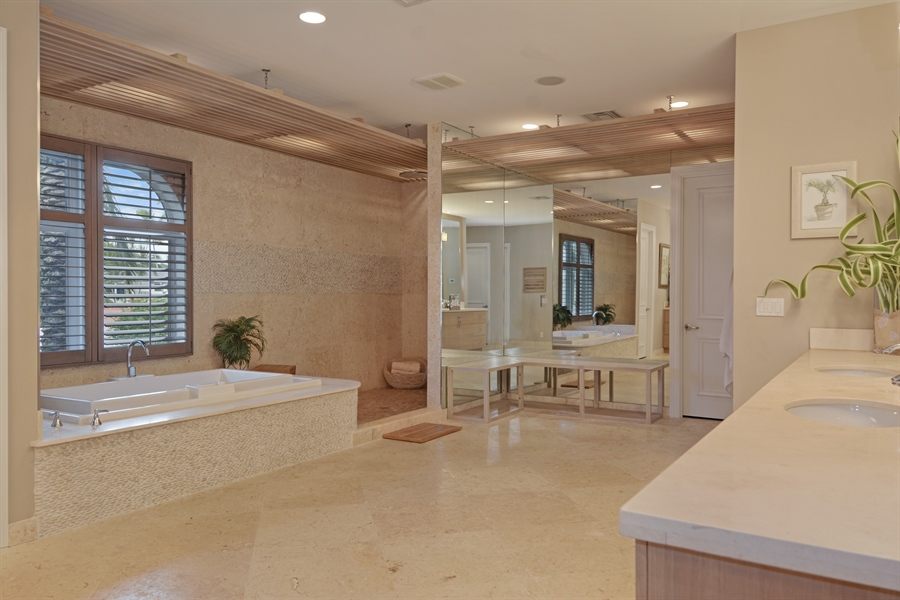 Real Estate Photography - 600 Isle of Palms Dr, Fort Lauderdale, FL, 33301 - Master Bathroom