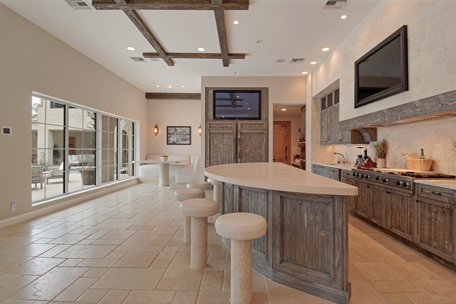 Real Estate Photography - 600 Isle of Palms Dr, Fort Lauderdale, FL, 33301 - Kitchen