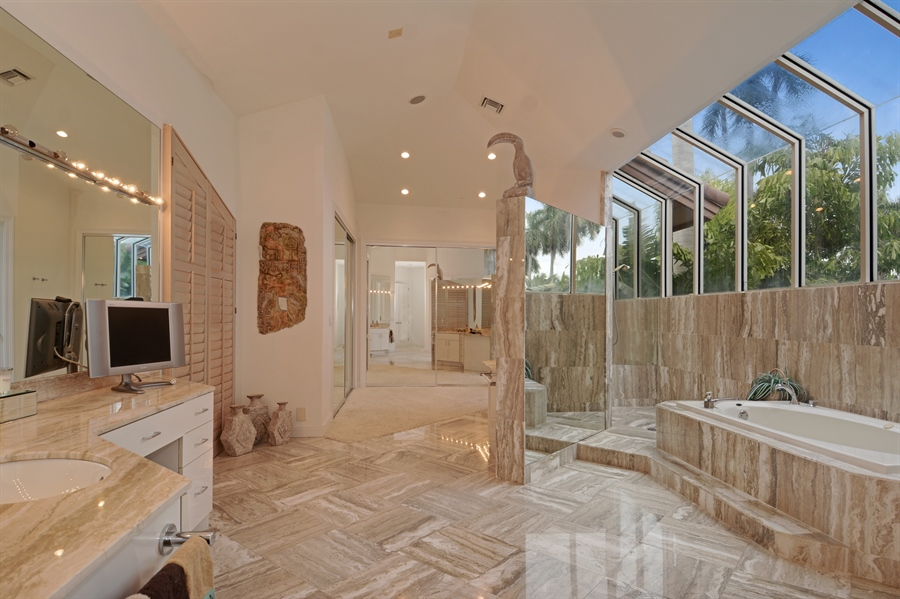 Real Estate Photography - 600 Isle of Palms Dr, Fort Lauderdale, FL, 33301 - 2nd Bathroom
