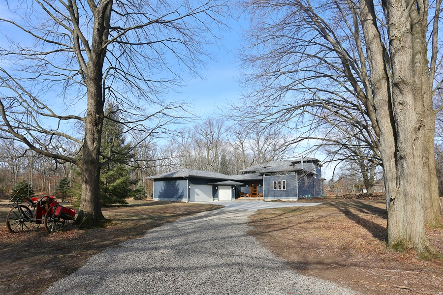Real Estate Photography - 16670 Lakeshore Road, Union Pier, MI, 49129 - Front View