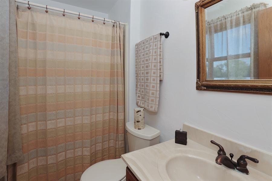 Real Estate Photography - 406 Pheasant Ridge Ct, Lindenhurst, IL, 60046 - Master Bathroom
