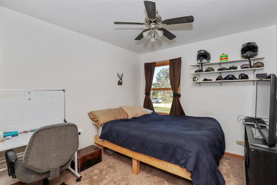 Real Estate Photography - 406 Pheasant Ridge Ct, Lindenhurst, IL, 60046 - 2nd Bedroom