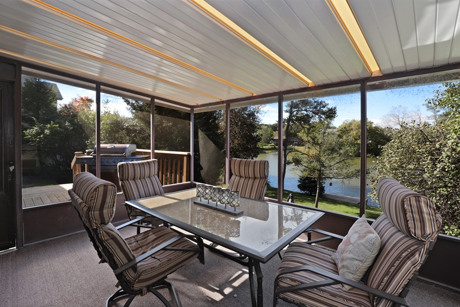 Real Estate Photography - 406 Pheasant Ridge Ct, Lindenhurst, IL, 60046 - Sun Room