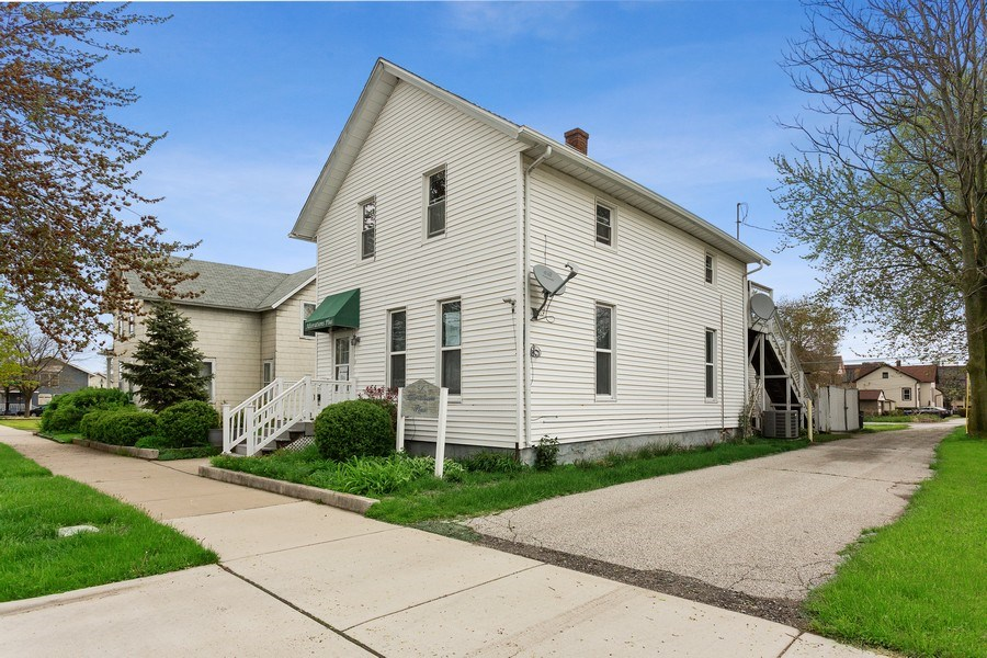 Real Estate Photography - 516 Wabash Street, Michigan City, IN, 46360 - Front View