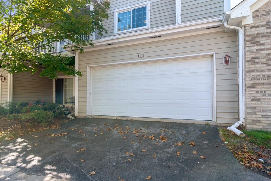 Real Estate Photography - 114 Hillwood Pl, Aurora, IL, 60506 -