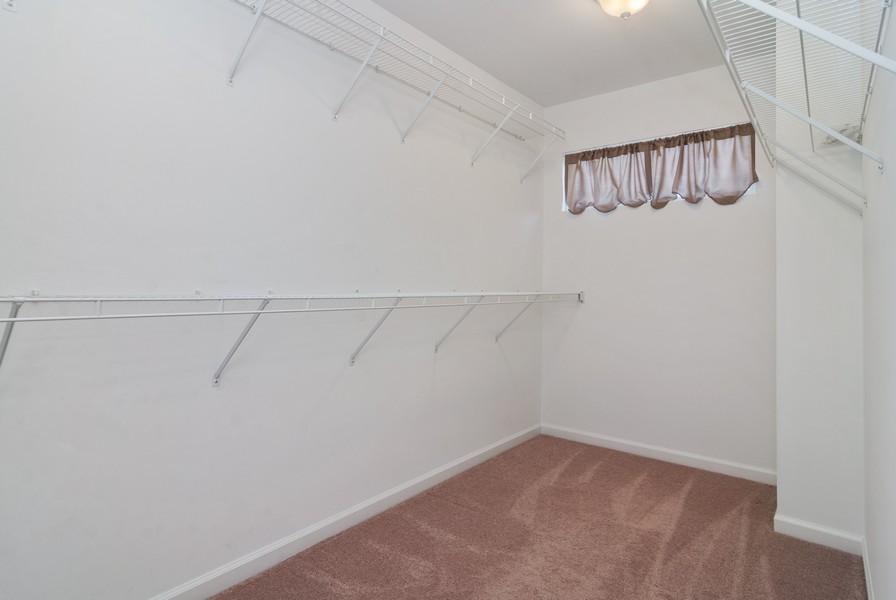Real Estate Photography - 114 Hillwood Pl, Aurora, IL, 60506 - Master Bedroom Closet