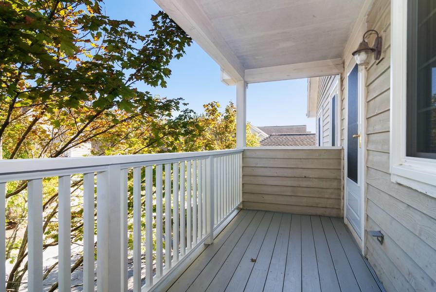 Real Estate Photography - 114 Hillwood Pl, Aurora, IL, 60506 - Deck