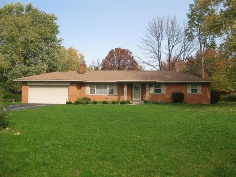 Real Estate Photography - 5030 E 66th St, Indianapolis, IN, 46220 - Location 1