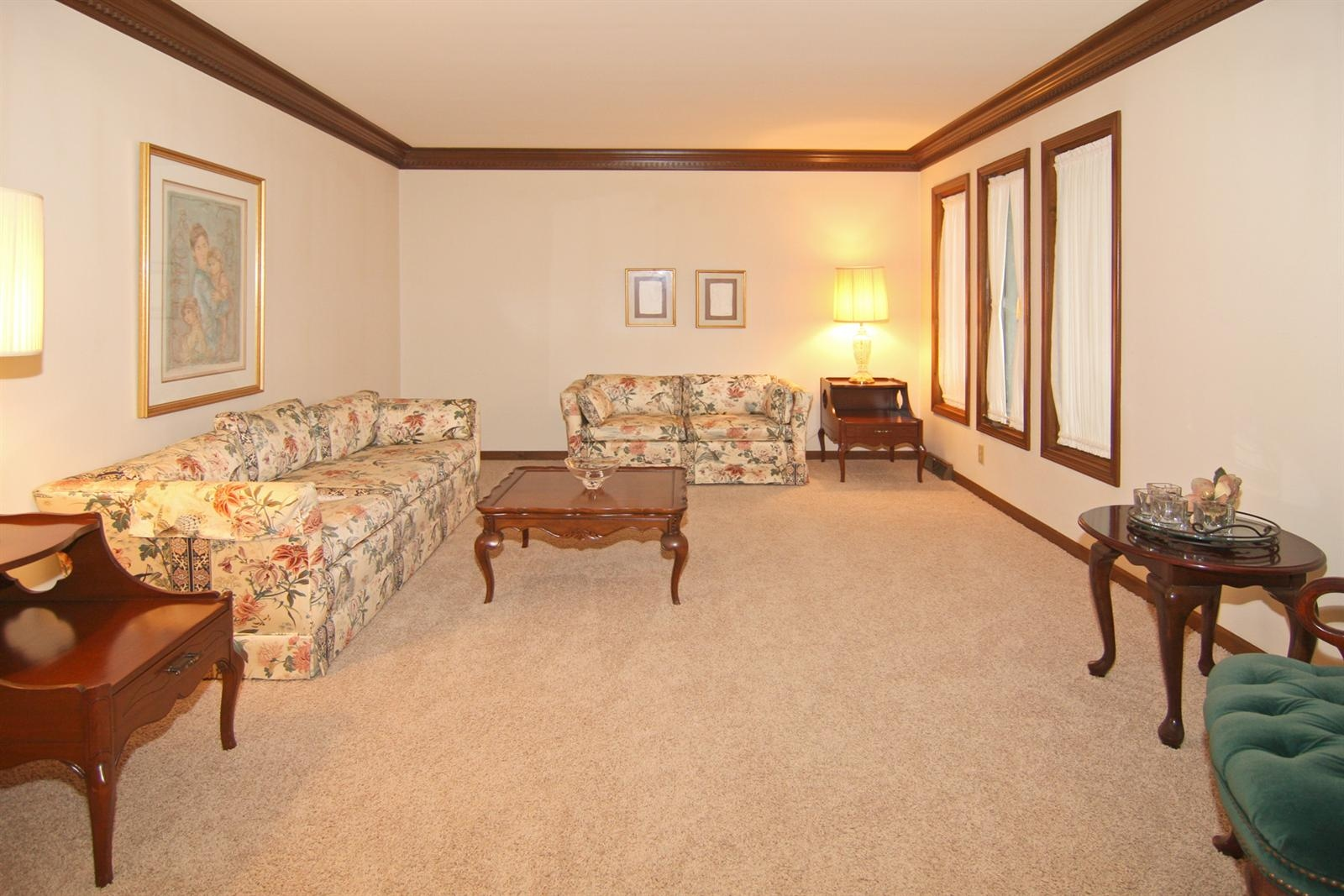 Real Estate Photography - 328 Spring Mill Ct, Carmel, IN, 46032 - Location 4