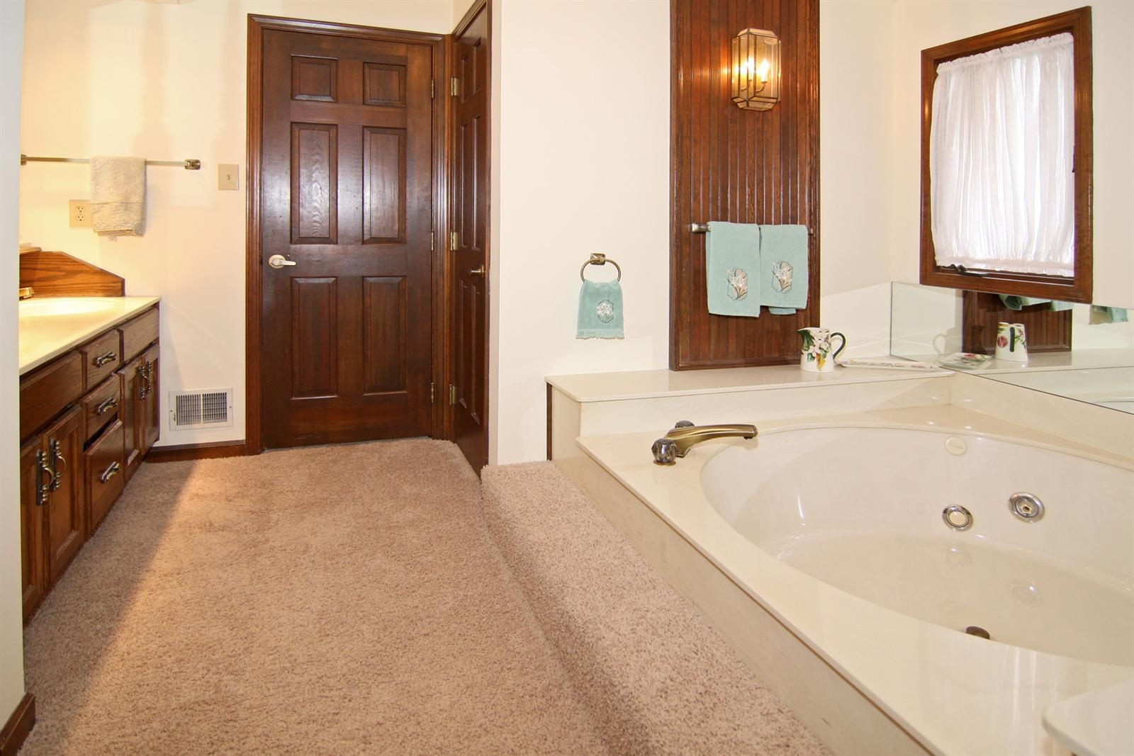 Real Estate Photography - 328 Spring Mill Ct, Carmel, IN, 46032 - Location 19