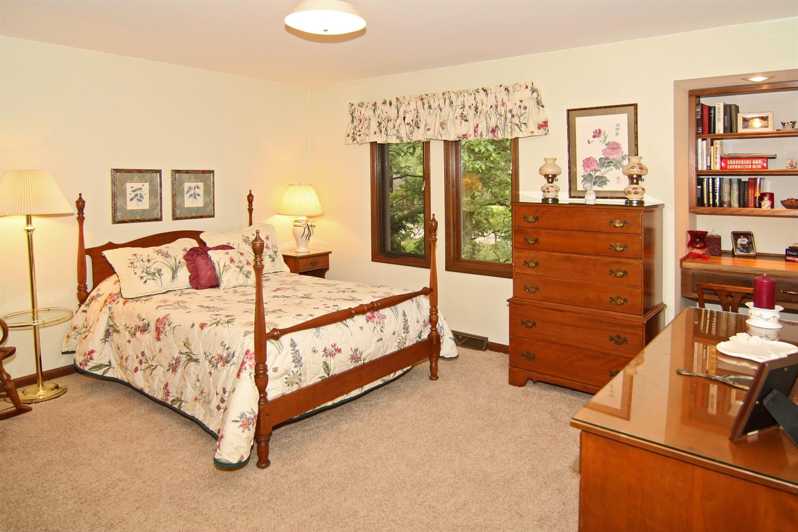 Real Estate Photography - 328 Spring Mill Ct, Carmel, IN, 46032 - Location 21