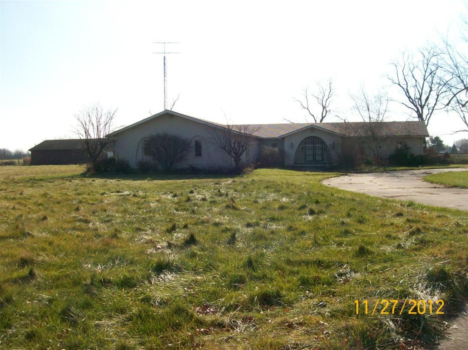 Real Estate Photography - 3077 E SR 236, ANDERSON, IN, 46011 - Location 1
