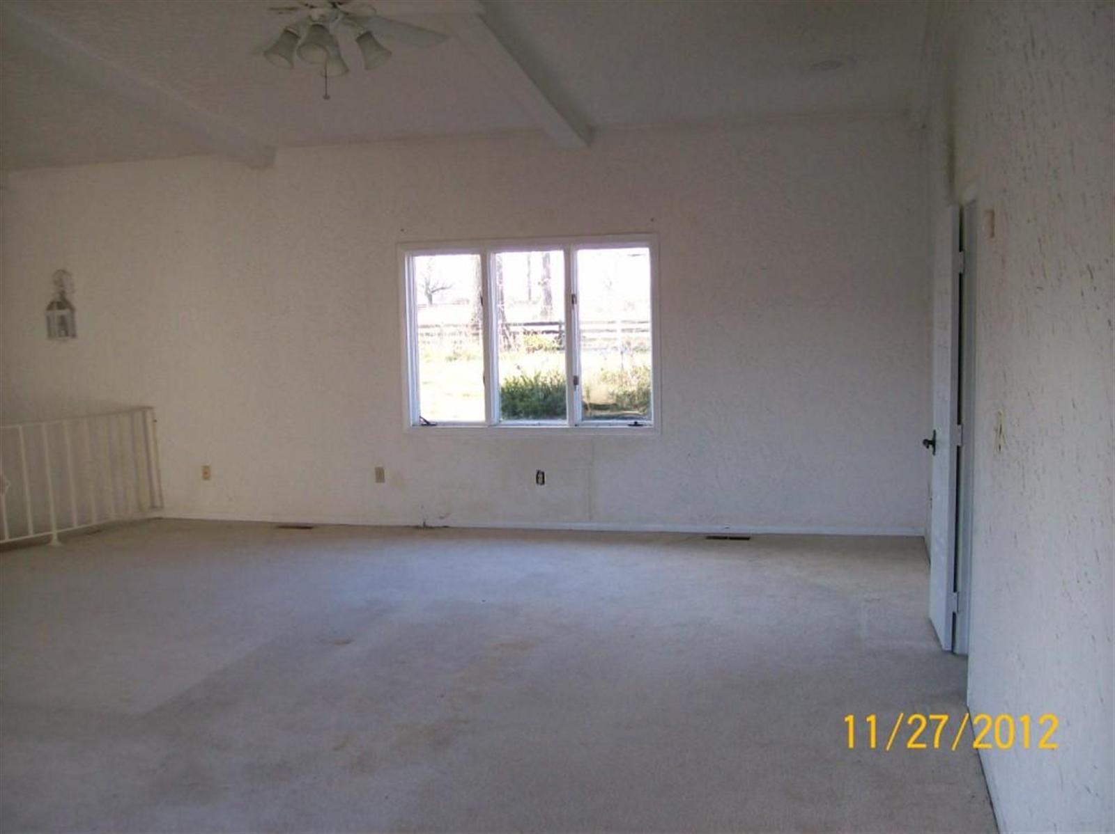 Real Estate Photography - 3077 E SR 236, ANDERSON, IN, 46011 - Location 6