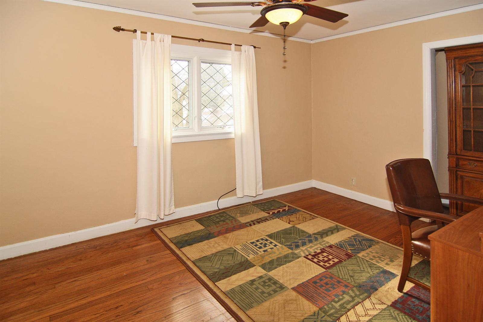Real Estate Photography - 213 Buckingham Dr, Indianapolis, IN, 46208 - Location 16