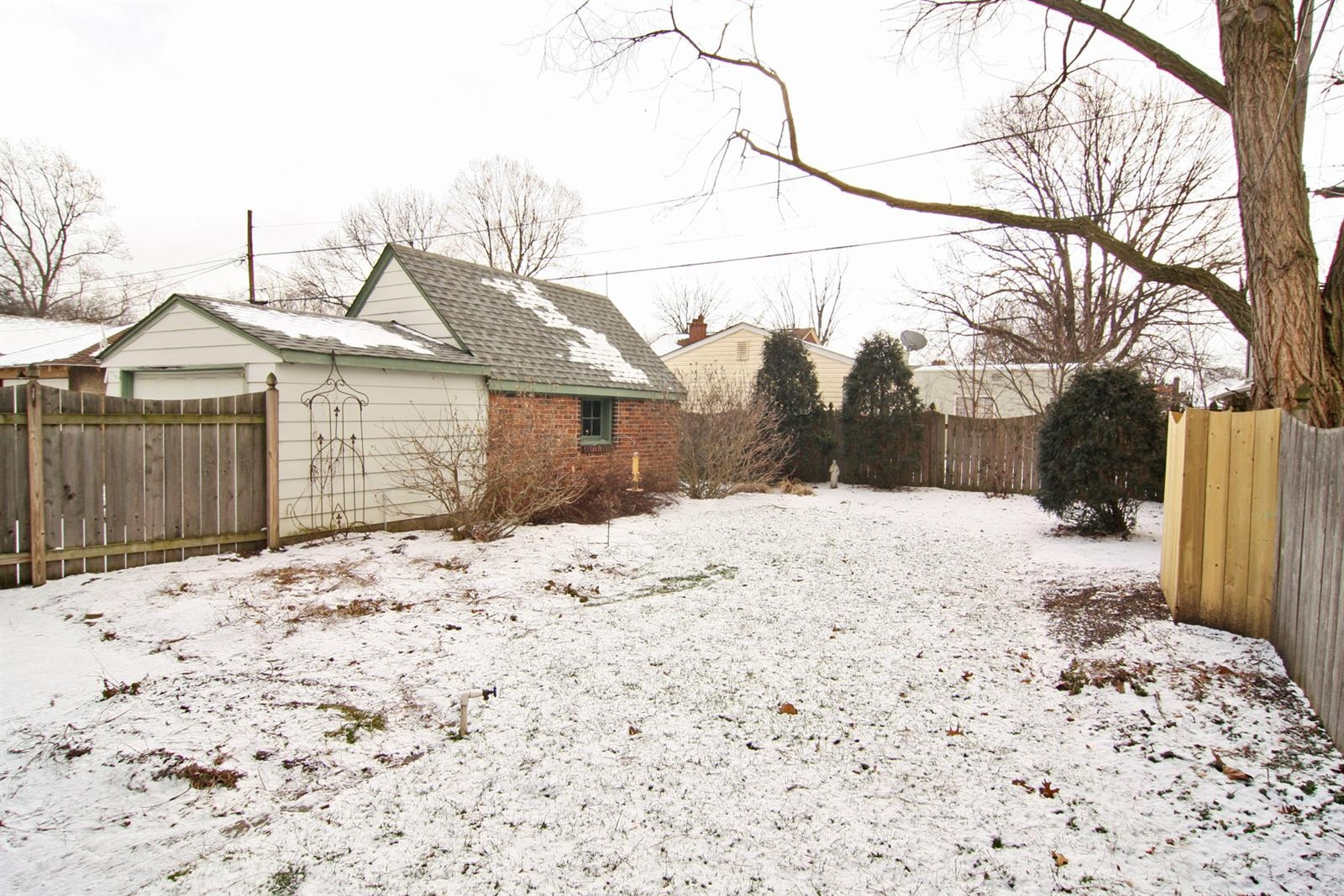 Real Estate Photography - 213 Buckingham Dr, Indianapolis, IN, 46208 - Location 20