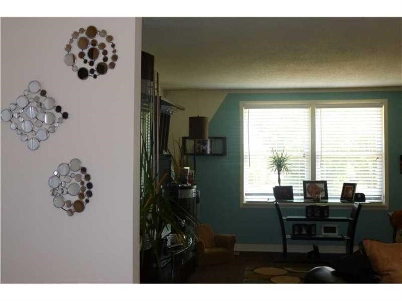 Real Estate Photography - 11338 McDowell Dr, Indianapolis, IN, 46229 - Location 15