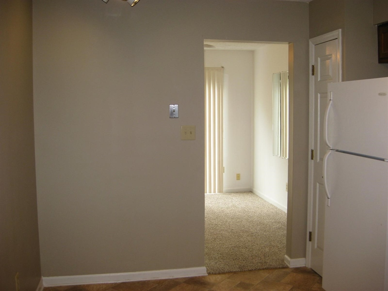 Real Estate Photography - 2542 Hideaway South Dr, Indianapolis, IN, 46268 - Location 6