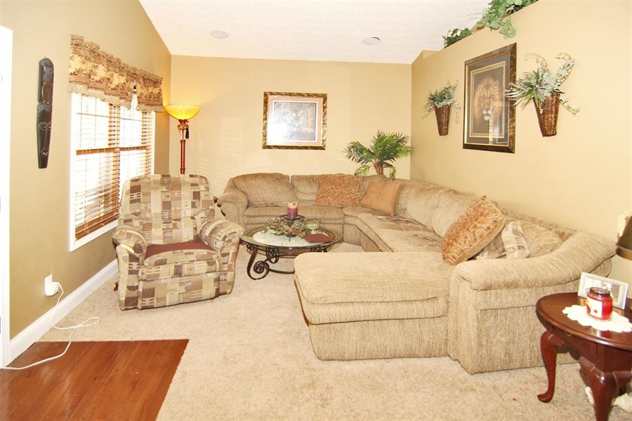 Real Estate Photography - 1426 S Anderson St, Elwood, IN, 46036 - Great Room