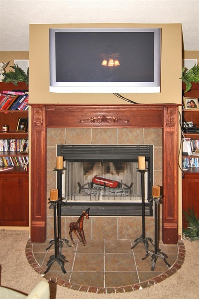 Real Estate Photography - 1426 S Anderson St, Elwood, IN, 46036 - Fireplace