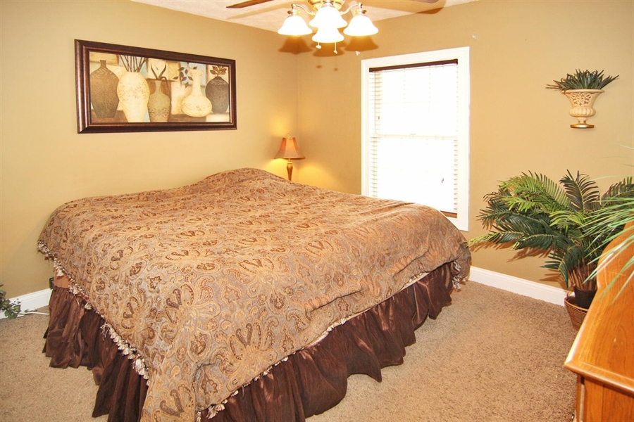 Real Estate Photography - 1426 S Anderson St, Elwood, IN, 46036 - Master Bedroom