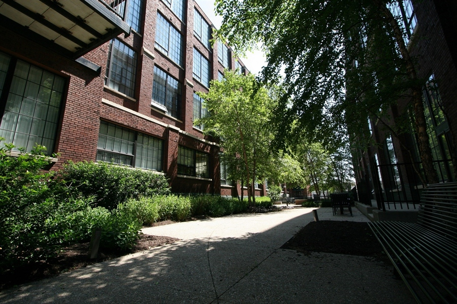 Real Estate Photography - 624 E Walnut St, Apt 26, Indianapolis, IN, 46204 - Location 5
