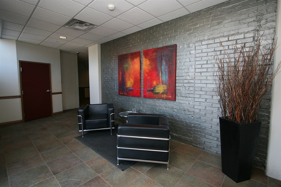Real Estate Photography - 624 E Walnut St, Apt 26, Indianapolis, IN, 46204 - Location 6