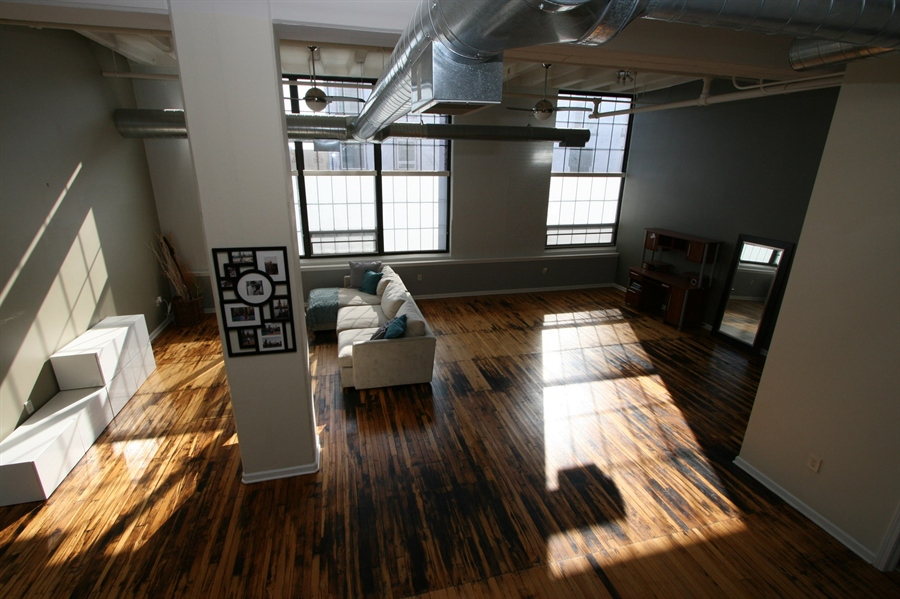 Real Estate Photography - 624 E Walnut St, Apt 26, Indianapolis, IN, 46204 - Location 7