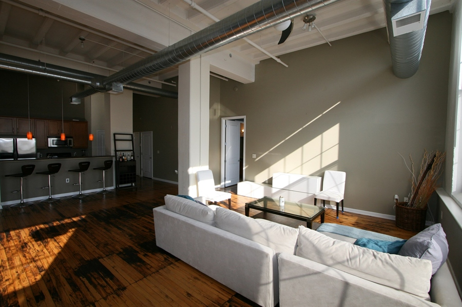 Real Estate Photography - 624 E Walnut St, Apt 26, Indianapolis, IN, 46204 - Location 8