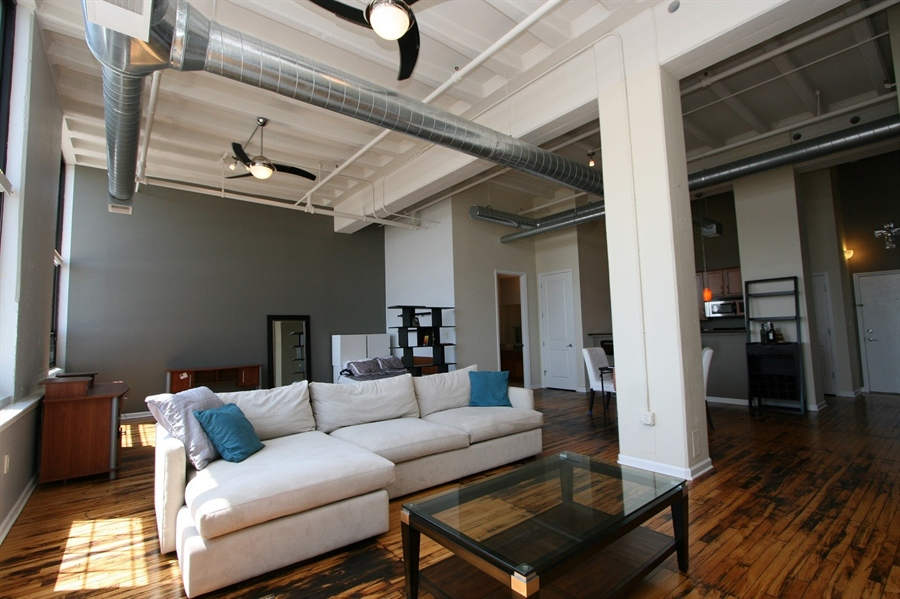 Real Estate Photography - 624 E Walnut St, Apt 26, Indianapolis, IN, 46204 - Location 9