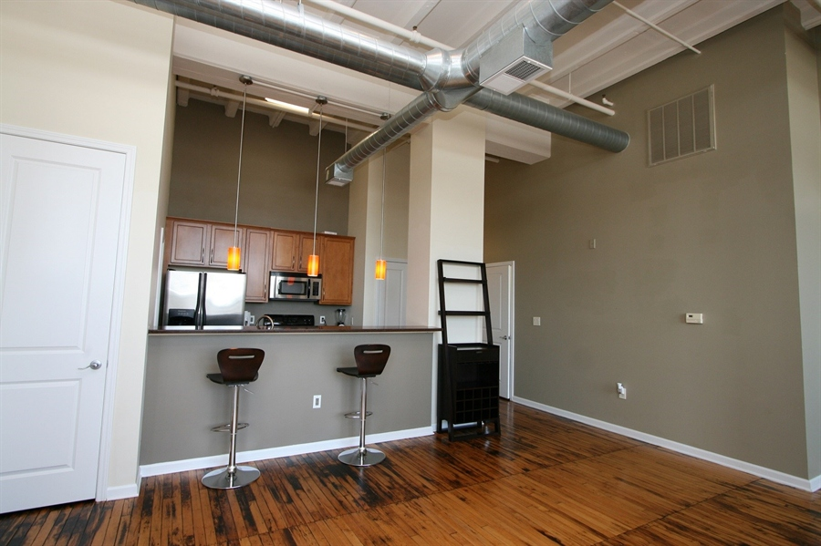 Real Estate Photography - 624 E Walnut St, Apt 26, Indianapolis, IN, 46204 - Location 13