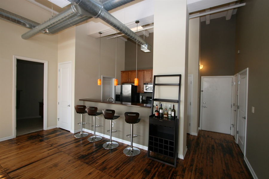 Real Estate Photography - 624 E Walnut St, Apt 26, Indianapolis, IN, 46204 - Location 14
